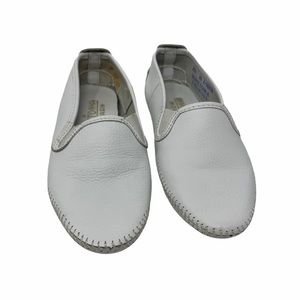 Minnetonka white leather driving loafer size 6.5